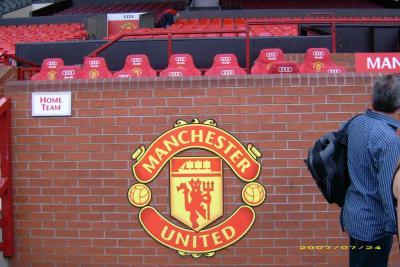 Quel entraineur détient le record de longévité sur le banc d'Old Trafford ?
