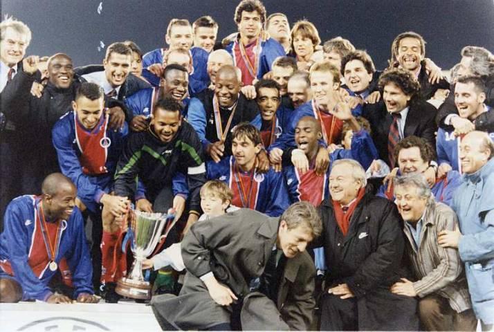 Qui a été battu par le PSG en Finale de Coupe des Coupes en 1996 ?